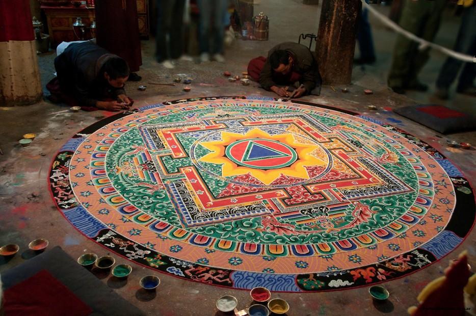 , Mandalas tibetanos de arena antes de su Destrucción