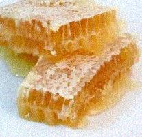 http://www.waikatobeekeepers.org.nz/i/Comb-Honey.jpg