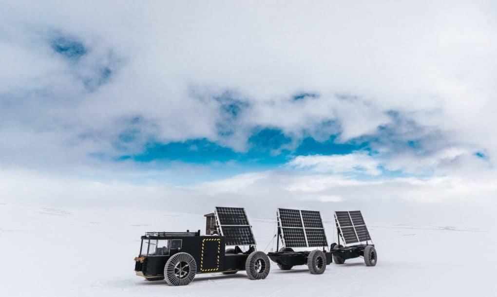 , Una pareja viaja a Antártica en carro solar hecho con residuos de plástico