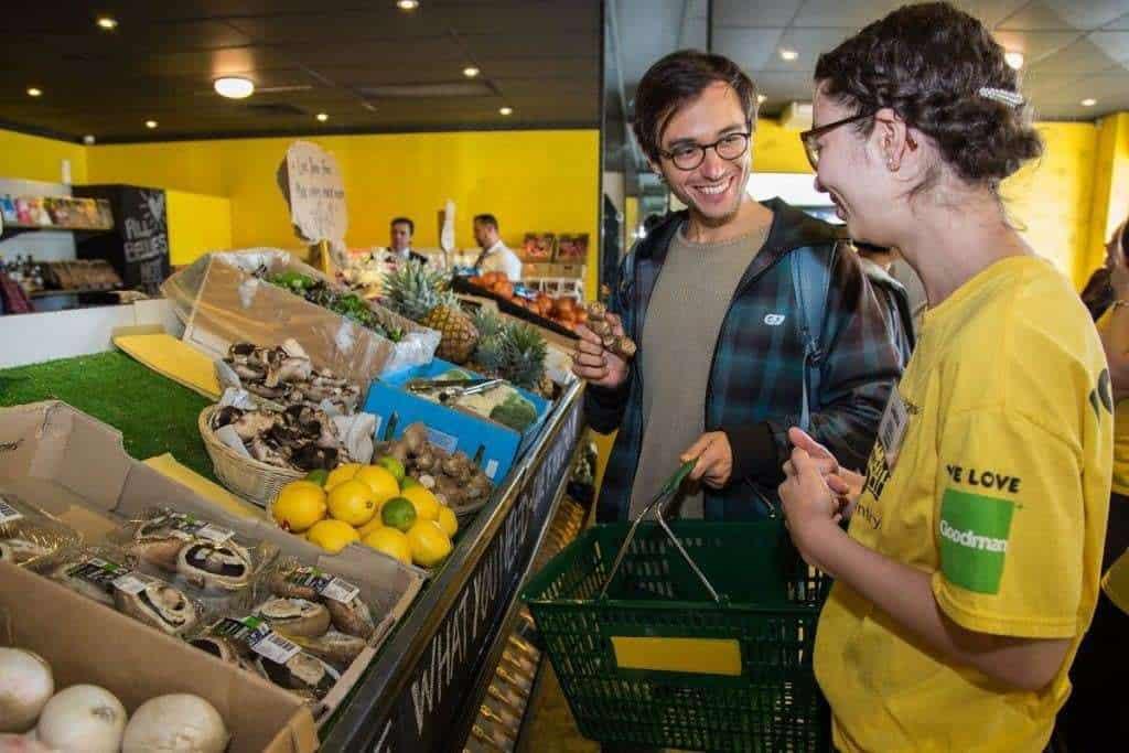 En Australia funciona un supermercado gratuito con productos descartados por otros Supermercados
