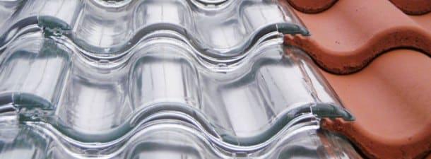 Tejas solares de vidrio para generar energía solar térmica limpia y sustentable