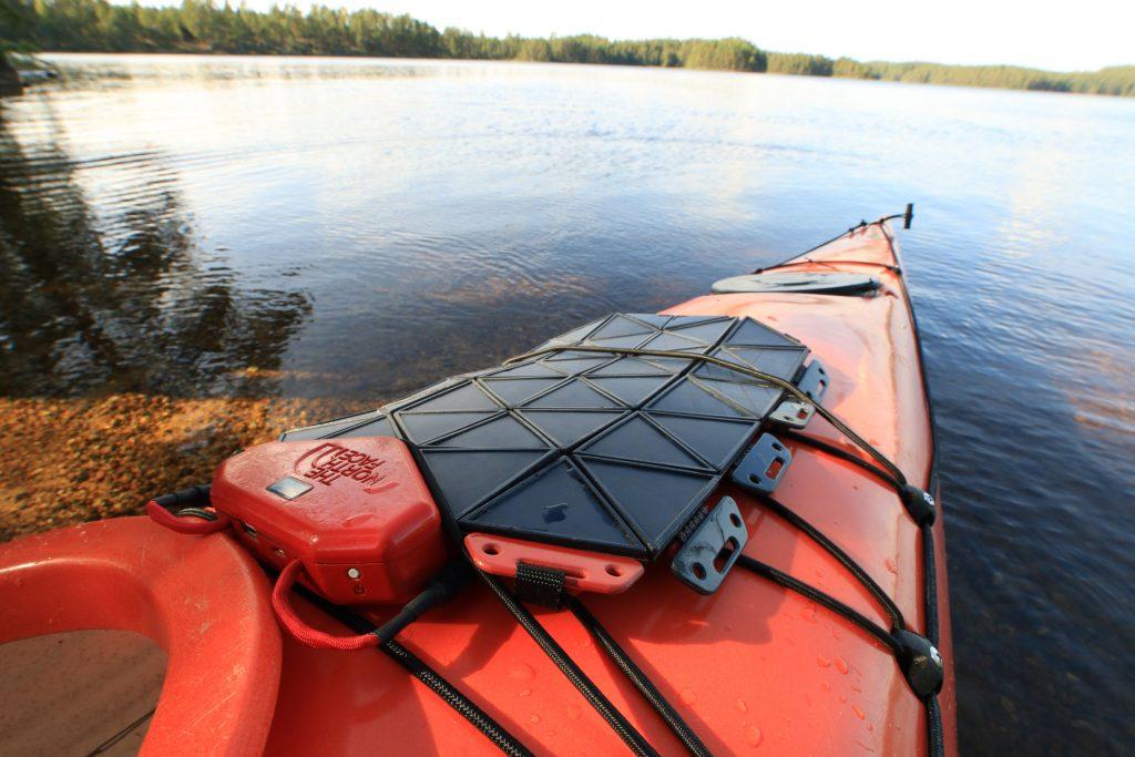 SunUp: el panel solar que se puede conectar a la mochila