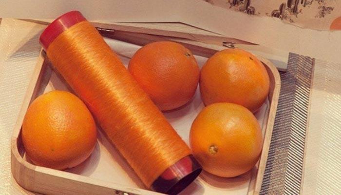 Crean seda ecológica hecha con pulpa de naranja descartada