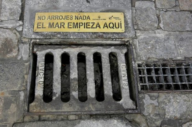 """, """"El mar empieza aquí"""": La campaña de España para reducir la contaminación de los océanos"""