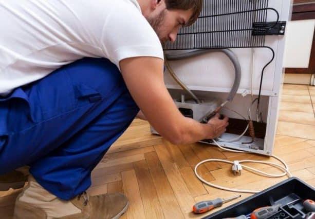 Brasileños crean dispositivo capaz de calentar agua con el calor del refrigerador