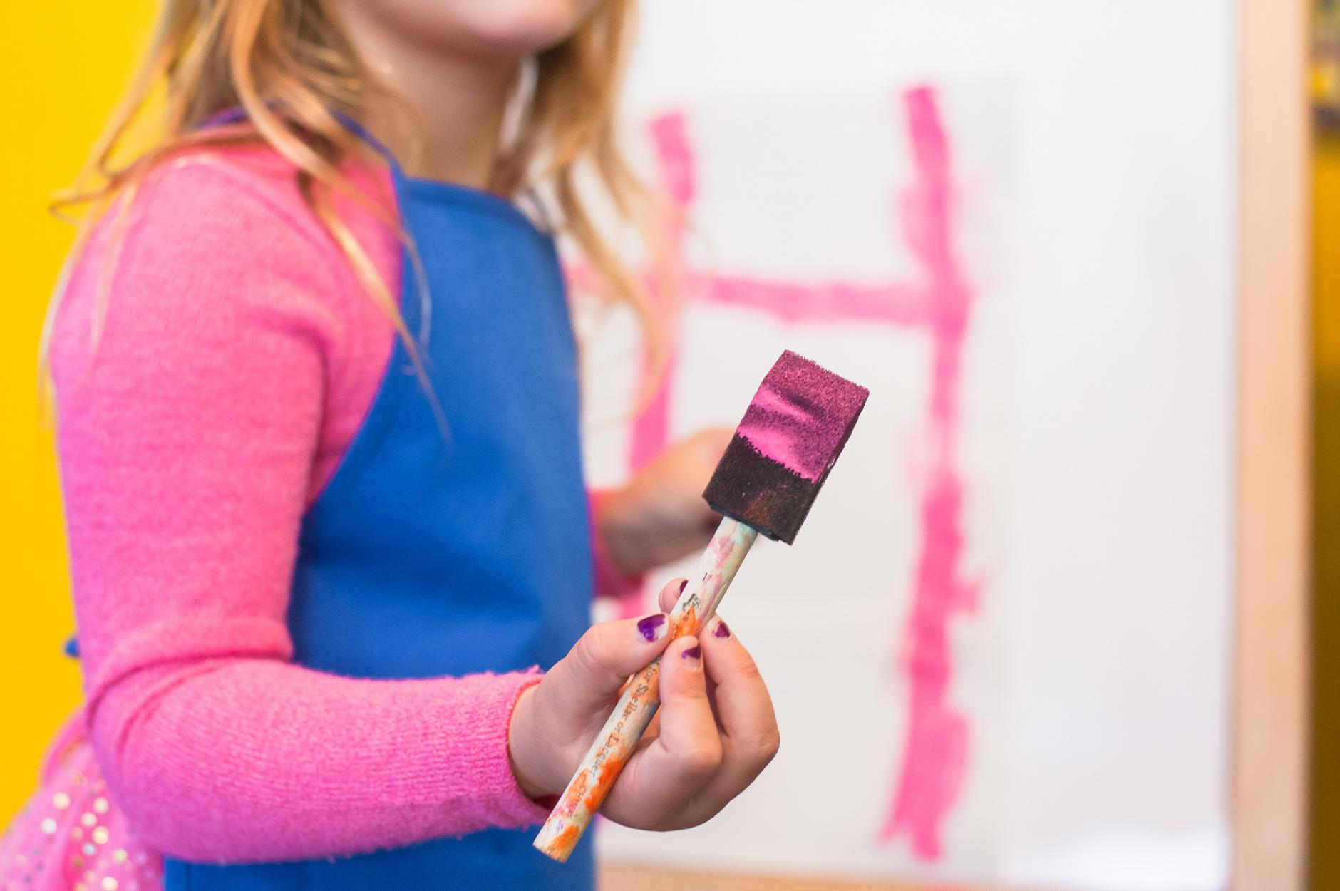Cómo hacer pintura casera para pintar con los niños