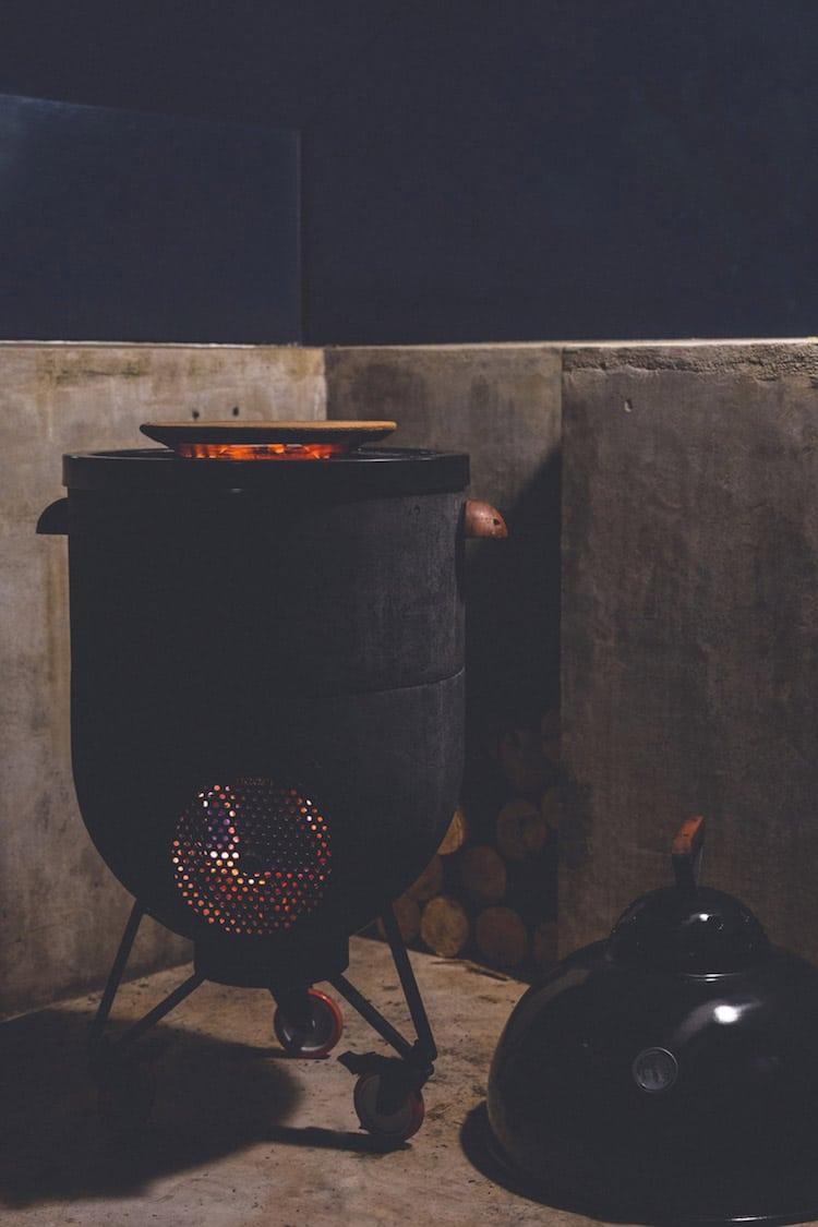 Esta parrilla es horno de pizza, estufa cohete y fogata al mismo tiempo