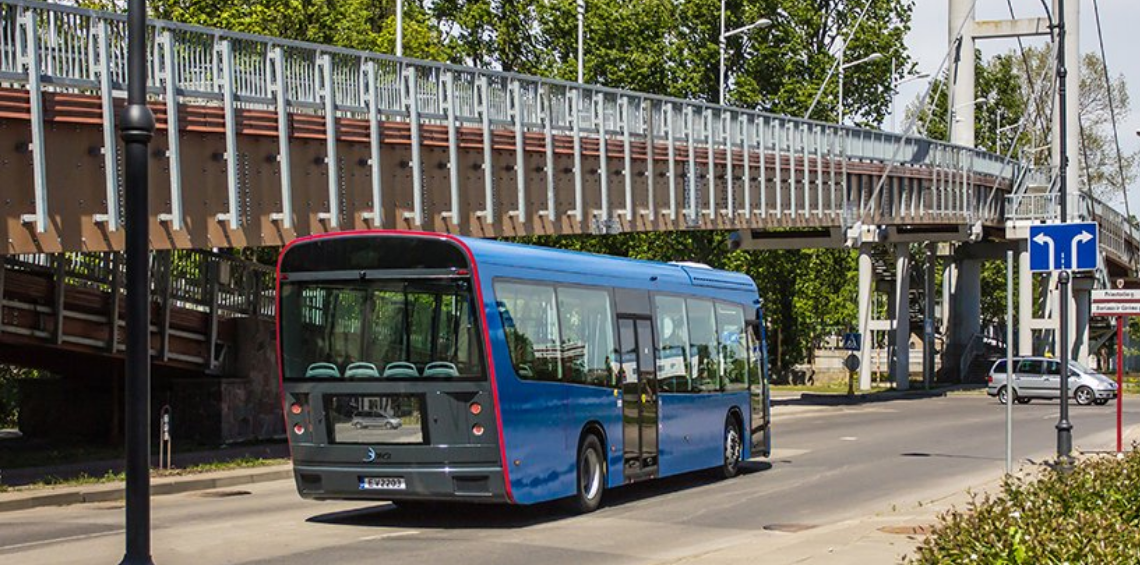 , 'Dancer' El autobús eléctrico hecho con botellas de PET recicladas