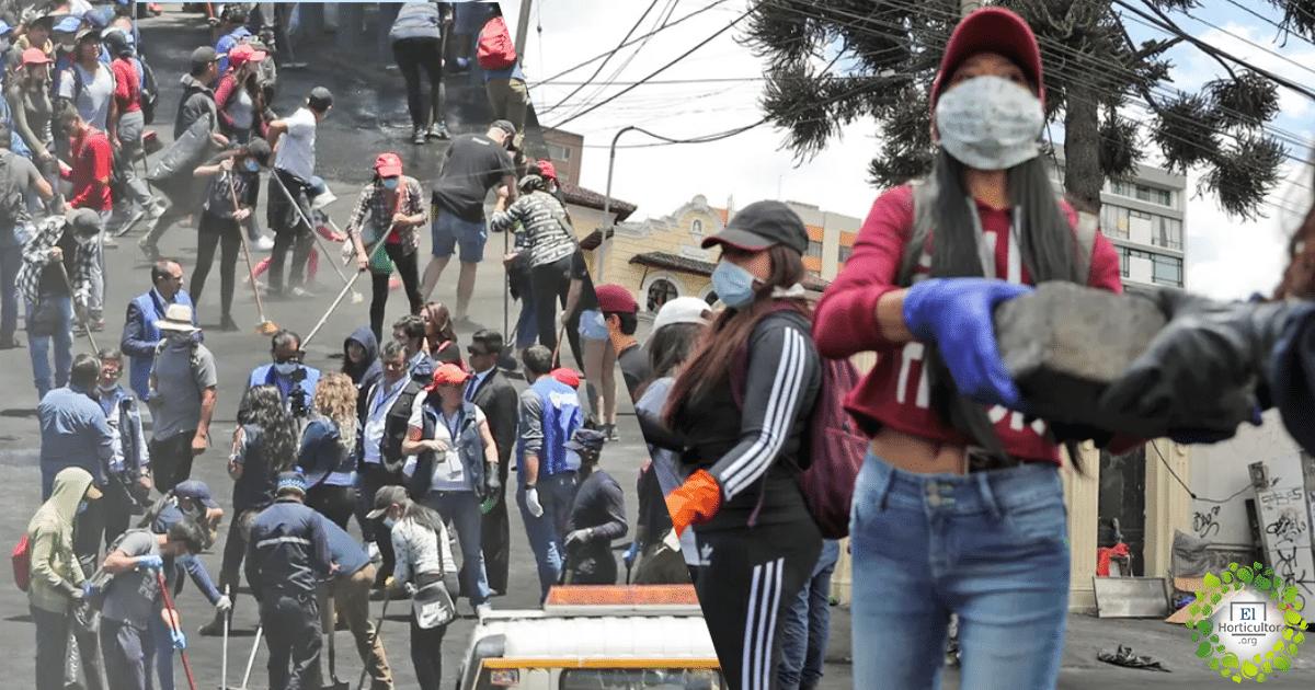 , Miles de Protestantes limpian las calles en Ecuador tras lograr acuerdo con el Gobierno
