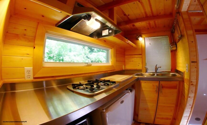 , Esta pequeña casa es naturalmente resistente al fuego, agua, plagas y condiciones climáticas extremas.